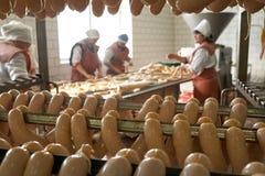 GOMEL BIAŁORUŚ, Wrzesień, - 22, 2011: Mięsny zakład przetwórczy Przetwarzać wieprzowina i wołowina Maszyny, mechanizmy i wyposaże zdjęcie royalty free