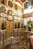 GOMEL, BIELORRÚSSIA - 23 de setembro de 2017: A igreja do grande mártir santamente George o vitorioso O interior da igreja Fotografia de Stock Royalty Free