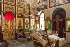 GOMEL, BIELORRUSIA - 8 DE AGOSTO DE 2014: Iglesia cristiana ortodoxa dentro Foto de archivo
