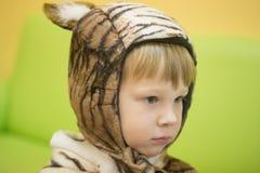 Gomel, Bielorrusia - 22 de diciembre de 2016: Día de fiesta del ` s del Año Nuevo para los niños en guardería Niños 3 - 4 años Fotografía de archivo