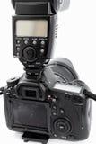 GOMEL, BIELORRUSIA - 12 de mayo de 2017: Cámara de Canon 6d con la lente en un fondo blanco Canon es el manufactur más grande de  Imagen de archivo
