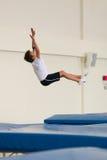 Gomel, Bielorrusia - 12 de noviembre de 2016: Competencias de deportes en la acrobacia entre los muchachos y las muchachas llevad Imágenes de archivo libres de regalías