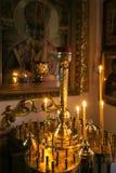 GOMEL, BIELORRUSIA - 23 de septiembre de 2017: La iglesia del gran mártir santo George el victorioso El interior de la iglesia Foto de archivo libre de regalías