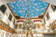 GOMEL, BIELORRUSIA - 23 de septiembre de 2017: La iglesia del gran mártir santo George el victorioso El interior de la iglesia Fotos de archivo