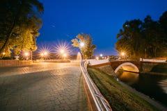 Gomel, Homiel, Bielorrusia Panorama de fluir del canal del arroyo del parque Fotos de archivo libres de regalías