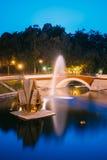 Gomel Homiel, Vitryssland Den sceniska sikten av parkerar vattendragkanalen Royaltyfri Bild