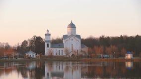 Gomel Homiel Vitryssland St Alexander Nevsky Church i Gomel, Homiel Vitryssland Ortodox kyrka på solnedgången eller soluppgång in arkivfilmer