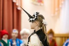 Gomel Vitryssland - DECEMBER 20, 2017: Ferie för ` s för nytt år för barn i dagis Barn 4 - 5 år Arkivbild