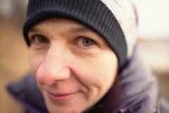 GOMEL VITRYSSLAND - December 11: Framsida för barn` s på en vinterutflykt sinnesrörelser Arkivfoto