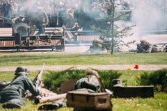 Gomel Vitryssland Plats av Reenactment för strid WW2 mellan Wehrmacht Fotografering för Bildbyråer