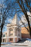 Gomel, Weißrussland, am 26. Januar 2006: Turm des Palastes Ensembles Rumyantsev-Paskevich, des Palastes und des Parks, Winterland Lizenzfreie Stockbilder