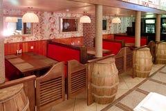 Gomel, Weißrussland - 9. Mai: niedrige RANCH-Rest Café VORSTADTSORGFALT am 9. Mai 2014 Gomel, Weißrussland Stockbild