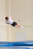 Gomel, Weißrussland - 12. November 2016: Sportwettbewerbe in der Akrobatik unter den Jungen und Mädchen im Jahre 2005-2006 gebore Stockbild