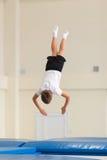 Gomel, Weißrussland - 12. November 2016: Sportwettbewerbe in der Akrobatik unter den Jungen und Mädchen im Jahre 2005-2006 gebore Stockfoto
