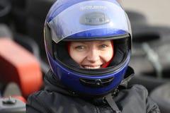 GOMEL, WEISSRUSSLAND - 8. MÄRZ 2010: Amateurwettbewerbe in den Rennen auf karting Bahn organisierte Erholung Lizenzfreies Stockfoto