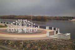 GOMEL, WEISSRUSSLAND - 29. MÄRZ 2017: Ansicht des Sosch-Fluss-Dammes Lizenzfreies Stockbild