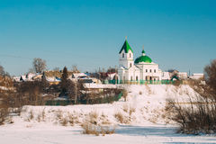 Gomel, Wit-Rusland Kerk van St Nicholas The Wonderworker In Sunny de Winterdag royalty-vrije stock foto's