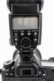 GOMEL, WIT-RUSLAND - Mei 12, 2017: De camera van Canon 6d met lens op een witte achtergrond Canon is de wereld` s grootste SLR ca Royalty-vrije Stock Foto's