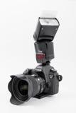 GOMEL, WIT-RUSLAND - Mei 12, 2017: De camera van Canon 6d met lens op een witte achtergrond Canon is de wereld` s grootste SLR ca Stock Fotografie