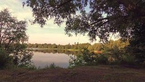 Gomel, Wit-Rusland Panorama van het meer bij dageraad stock footage