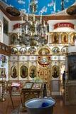 GOMEL, WIT-RUSLAND - September 23, 2017: De Kerk van de Heilige Grote Martelaar George Zegevierend Het binnenland van de kerk Stock Foto
