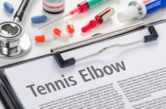 Gomito del tennista scritto su una lavagna per appunti Fotografia Stock Libera da Diritti