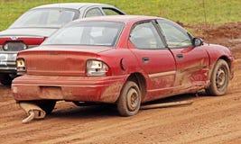 Gomma di ricambio dello scarico dell'automobile del derby di demolizione fotografie stock