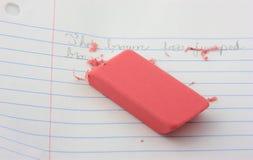 Gomme à effacer rose. Images libres de droits