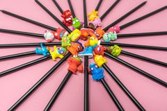 Gommes supérieures de crayon photographie stock libre de droits