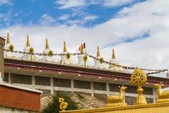 Gompa в индийских Гималаях стоковая фотография