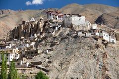 Gompa Lamayuru - βουδιστικό μοναστήρι στην κοιλάδα Indus Στοκ φωτογραφία με δικαίωμα ελεύθερης χρήσης