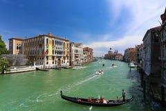 Gondala in het grote kanaal in Venetië Royalty-vrije Stock Afbeeldingen