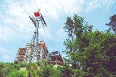 Gondel-Drahtseilbahn Stockfotos