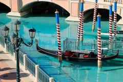 Gondel in einem Kanal, in einem venetianischen Urlaubshotel und in einem Kasino, Las Vegas, Lizenzfreie Stockfotografie
