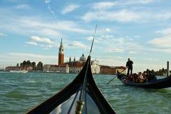 Gondel en de oude bouw in Venetië, Italië Stock Foto