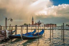 Gondel en San Giorgio Maggiore Church, Venetië royalty-vrije stock foto