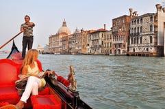 Gondel op het Grote Kanaal in Venetië Royalty-vrije Stock Afbeeldingen
