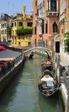 Gondel op het kanaal in Venetië, Italië Stock Afbeeldingen