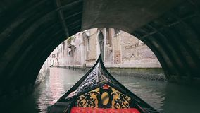 Gondel in Venedig stock footage