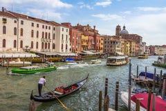 Gondel in Venedig-Kanal in Italien Lizenzfreie Stockbilder