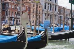 Gondelboote in Venedig Stockfotografie