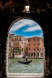 Gondelier van Venetië stock afbeeldingen