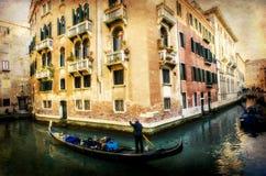 Gondelier in Venetië, Italië, uitstekende versie stock foto