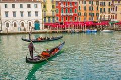 Gondeln auf Canal Grande Lizenzfreie Stockfotos