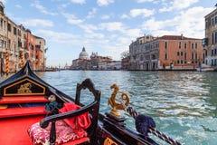 Gondelrit in Venetië stock afbeeldingen