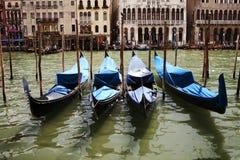 Gondels op Groot Kanaal in Venetië Italië royalty-vrije stock afbeelding