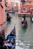 Gondels op kanaal in Venetië Royalty-vrije Stock Afbeelding