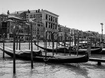 Gondels van Grand Canal in Venetië royalty-vrije stock afbeeldingen