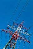 Gondelstiele einer Stromleitung Stockfotografie