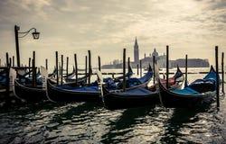 Gondoglas à Venise Images stock